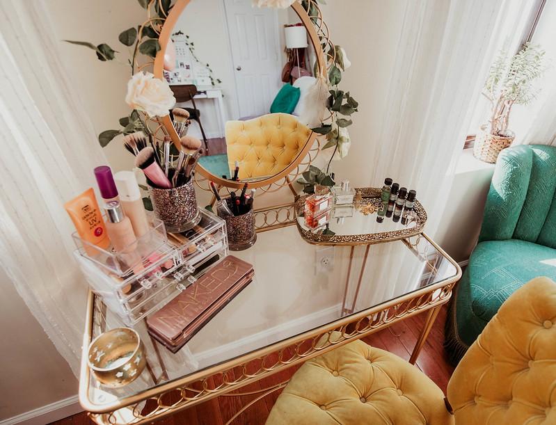 Gold wire loop makeup vanity Urban Outfitters