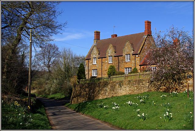 Port Road, Upper Harlestone