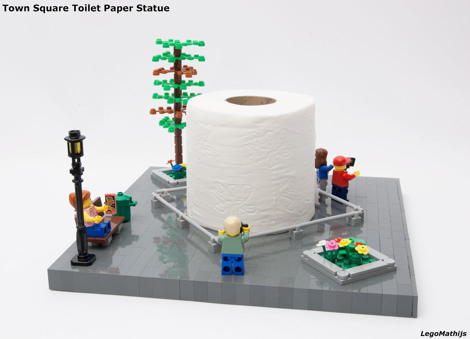 01_Town_Square_Toilet_Paper_Statue