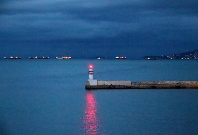 an early morning near piraeus
