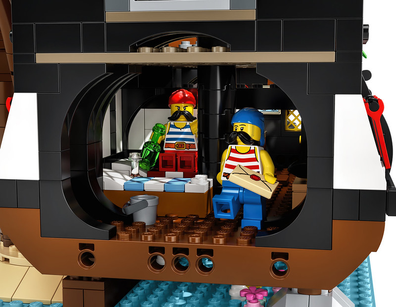 21322: LEGO Ideas Pirates of Barracuda Bay