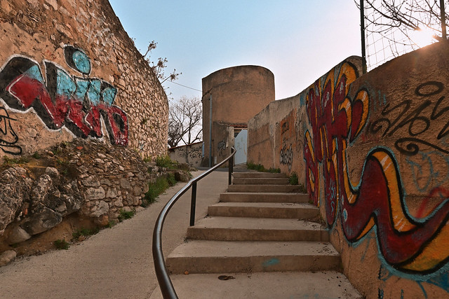 Traverse Picoussin /  Tower staircase and graffiti