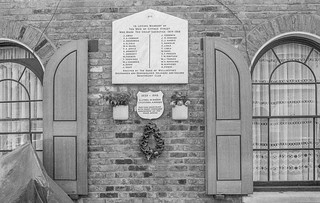 War Memorial, Cyprus St, Bethnal Green, Tower Hamlets86-6o-31_2400