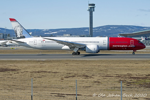 Norwegian B787-9 LN-LNV at ENGM/OSL 13-03-2020