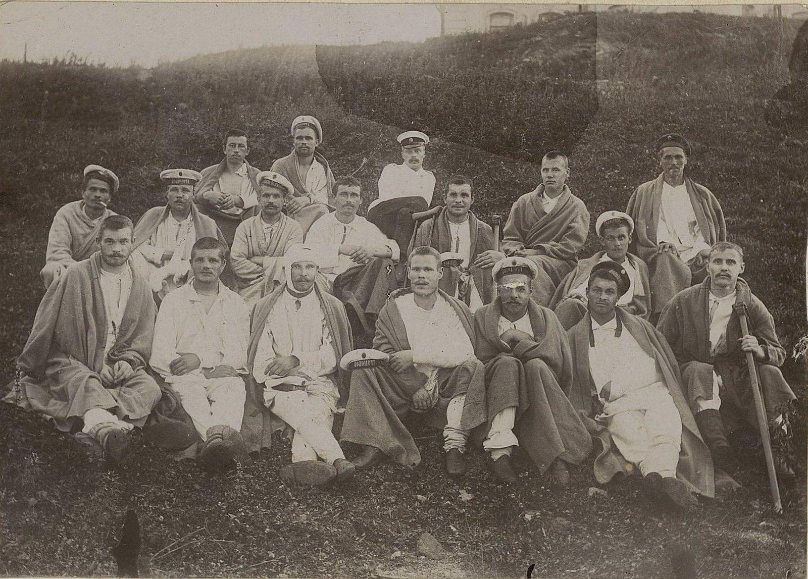 Раненые моряки. 1905 г.