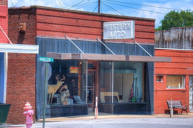Western Auto - Centerville, Tennessee