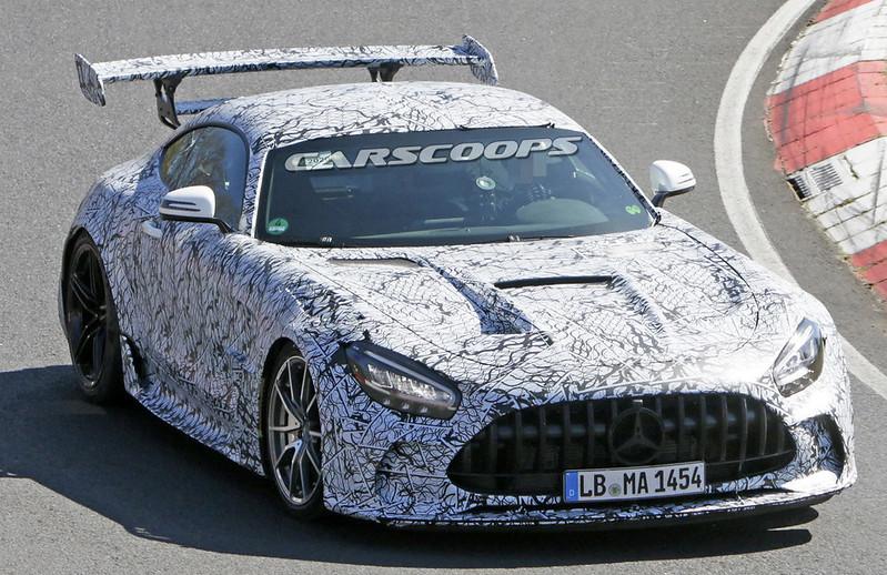 Mercedes-AMG-GT-Black-Series-3