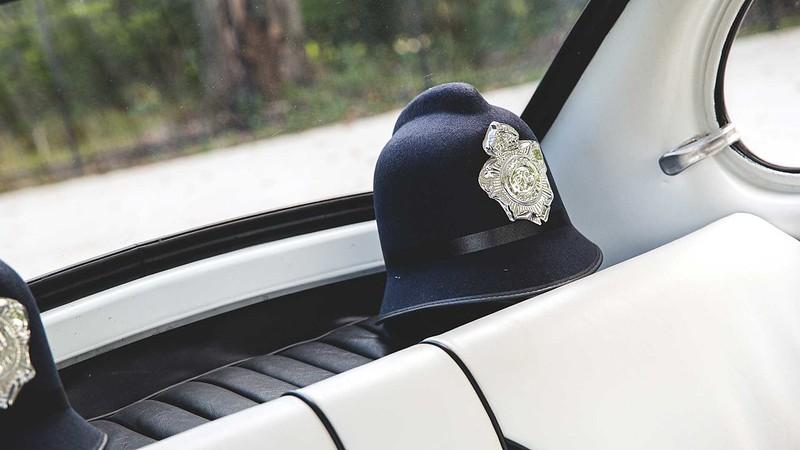 subaru-360-police-car (9)