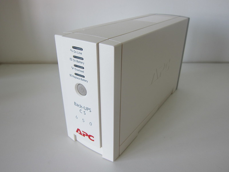 APC BACK-UPS BK650-AS USB 650VA