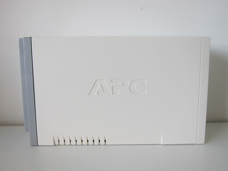 APC BACK-UPS BK650-AS USB 650VA - Side