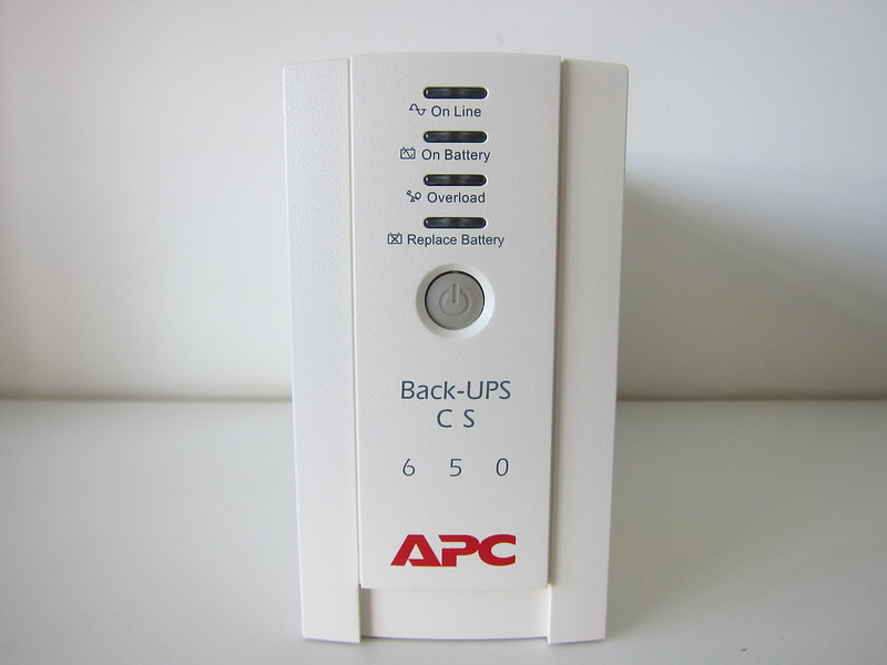 APC BACK-UPS BK650-AS USB 650VA - Front