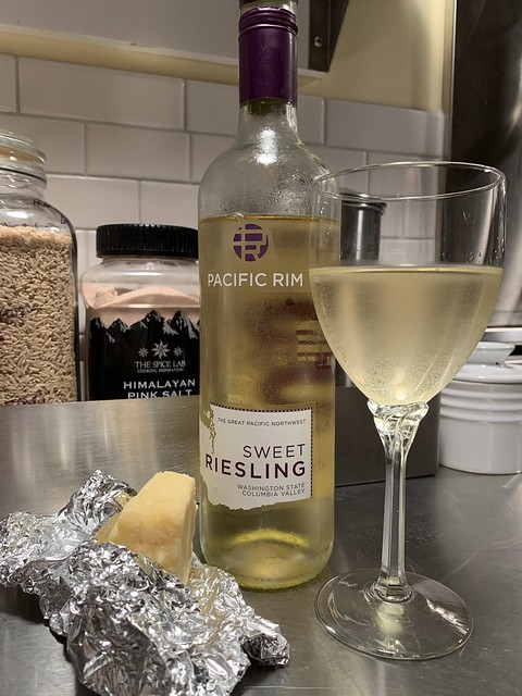 Columbia Valley Sweet Riesling screw cap and Kerry aged cheddar