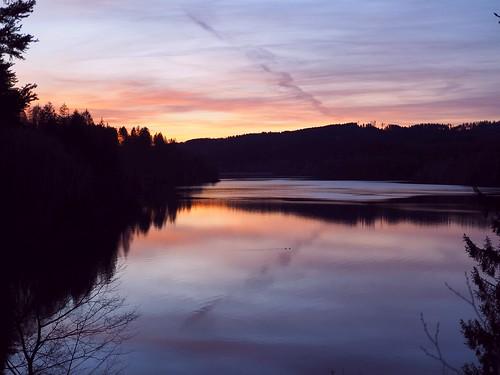 sonnenuntergang harz söse sösetal sösetalsperre osterode sunset sundown idyllic landscape landschaft see lake stausee forest trees wald bäume nature natur olympus spring frühling abend sonne