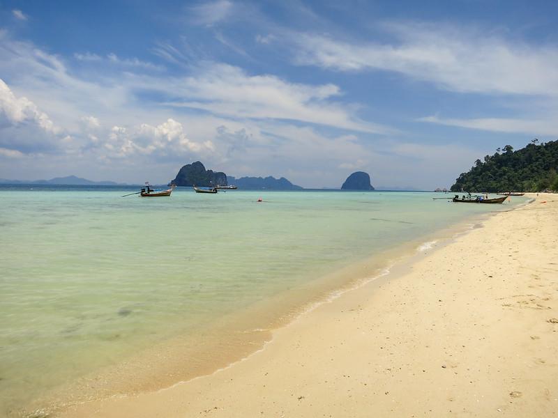 Main beach on Koh Ngai island