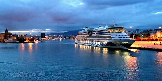 piraeus harbor