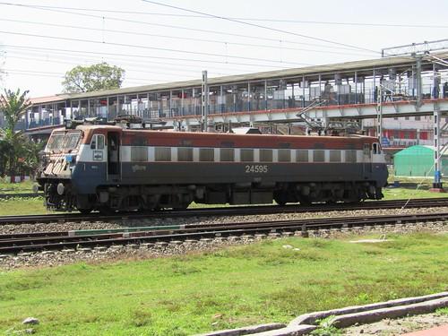 indianrailways northeastfrontierrailway newjalpaiguri wag7 24595
