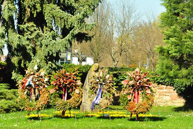 März 2020 ... Friedhof Neckarhausen ... Magnolien u. A. ... Brigitte Stolle