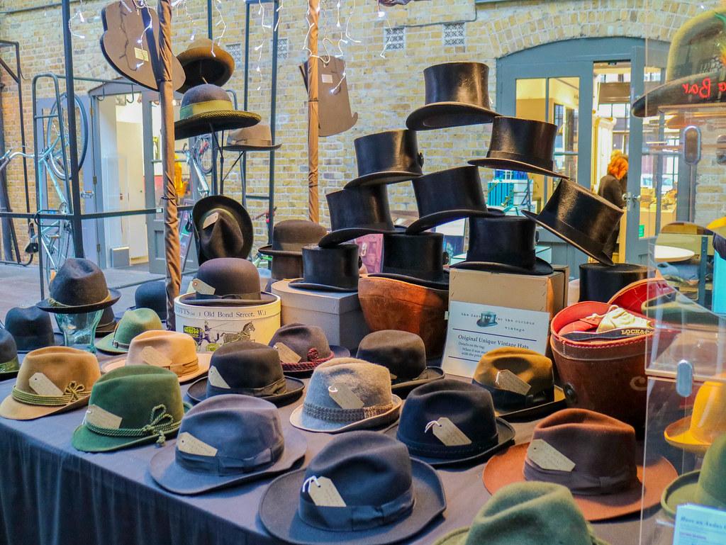 Sombreros en mercadillo de Londres