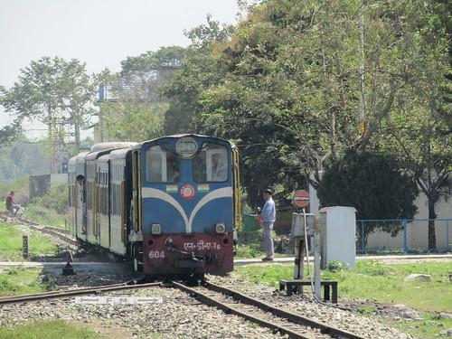 indianrailways northeastfrontierrailway newjalpaiguri ndm6604 darjeelinghimalayanrailway