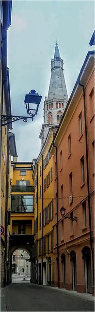 #4827 Modena, Ghirlandina