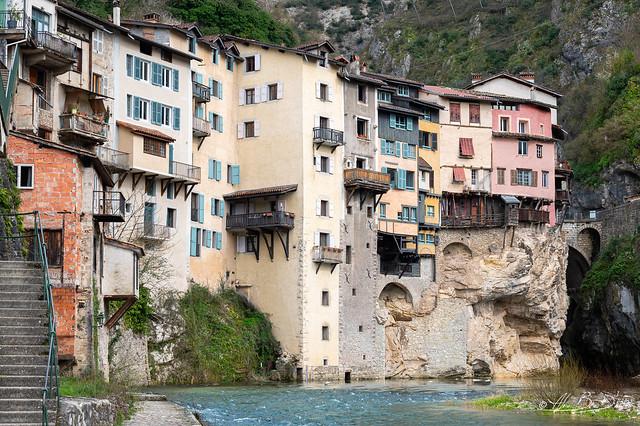 Les maisons suspendues  XVIe siècle  - Pont en Royans3