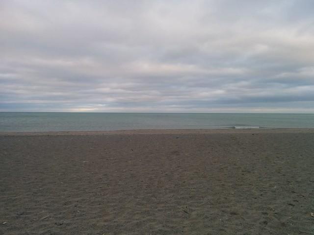 South into the lake #toronto #lakeontario #woodbinebeach #beach #latergram