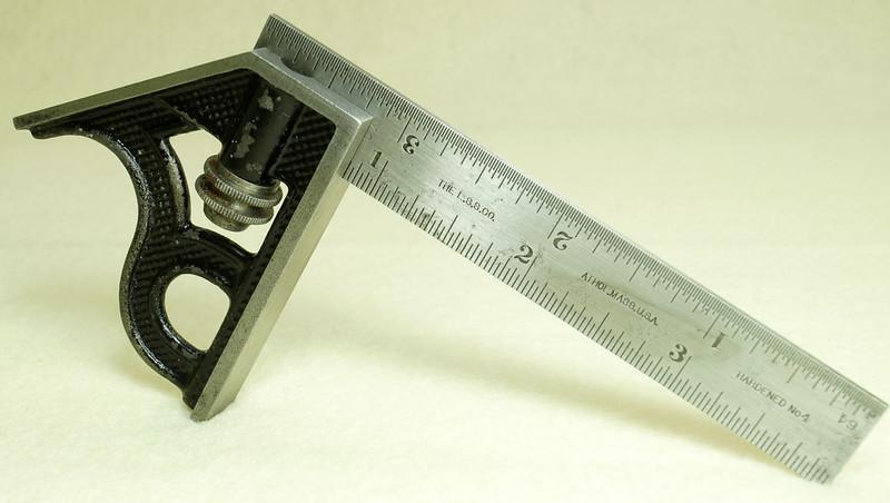 RD29585 Vintage Small L.S. STARRETT No 4 MACHINIST Adjustable 4 inch Combination Square DSC01617