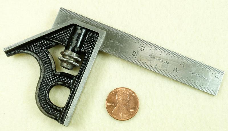 RD29585 Vintage Small L.S. STARRETT No 4 MACHINIST Adjustable 4 inch Combination Square DSC01606