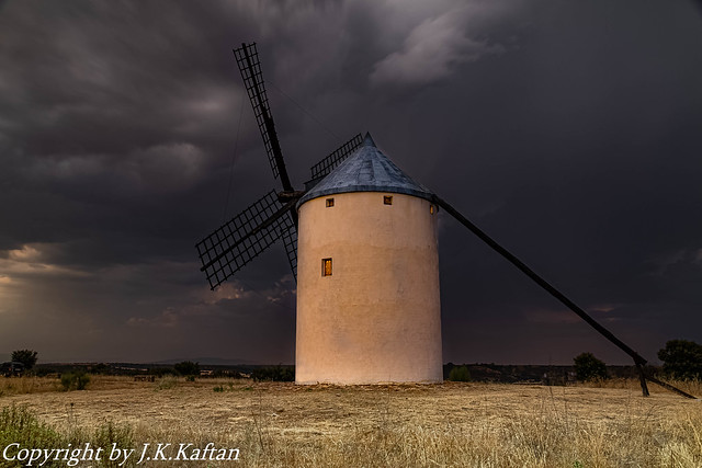 A stormy afternoon ....., Una tarde de Tormenta.....
