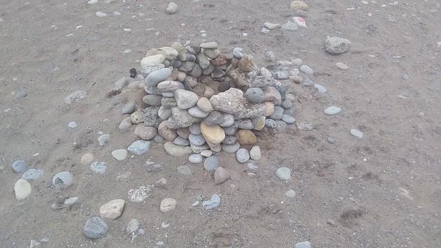 Hearth #toronto #woodbinebeach #winterstations #hearth #stones #beach #latergram