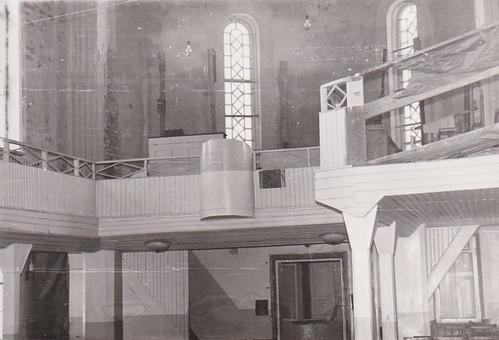 23. Хоровая разобрана, вид на балкон, там пел хор