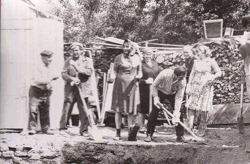 5. Вручную загружали развалины сарая и сторожки