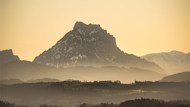 _DSC5359 The striking Traunstein seen from Voitsdorf / Upper-Austria
