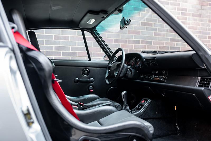 Porsche-911-GT2-11