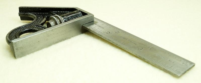 RD29585 Vintage Small L.S. STARRETT No 4 MACHINIST Adjustable 4 inch Combination Square DSC01613