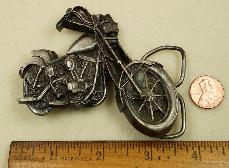 RD28374 Vintage 1979 Harley Motorcycle Bergamot Brass Works Belt Buckle I-39 DSC01639