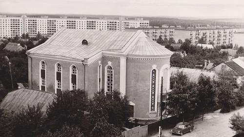 30. Новое здание церкви