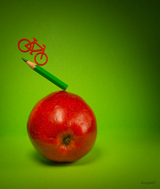 Red apple - green pencil
