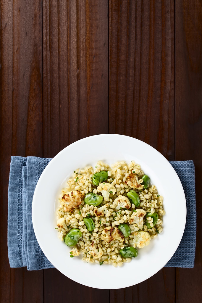 4 insalate di cereali con le verdure di stagione