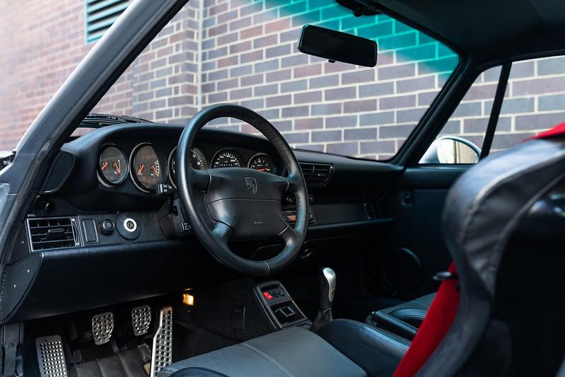 Porsche-911-GT2-25