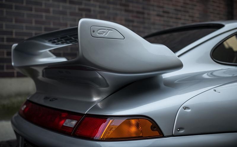 Porsche-911-GT2-8