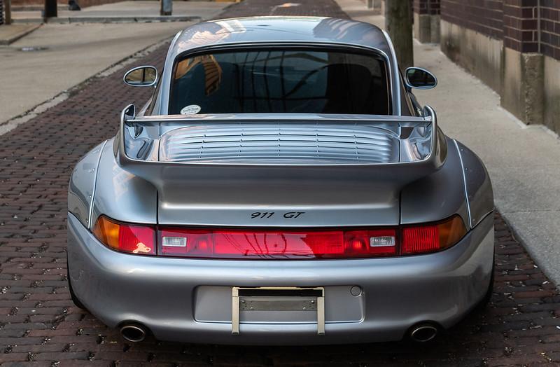 Porsche-911-GT2-5