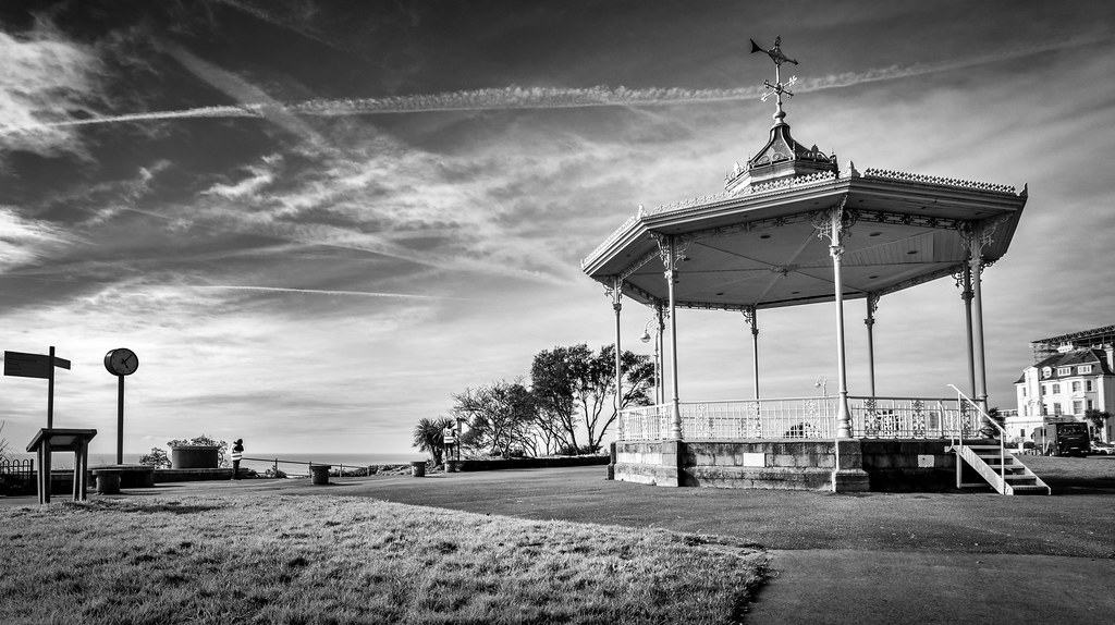Folkestone Bandstand Scene_