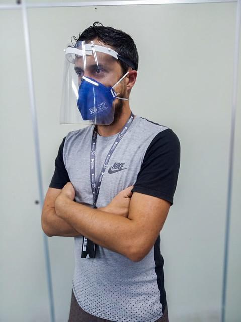 Universidade Feevale inicia a fabricação de protetores faciais para profissionais da saúde