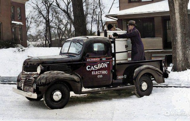 Casbon Electric delivery truck ca 1940-Colorized