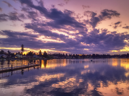 kent lakemeridian lakemeridianpark pacificnorthwest wa washington atardecer clouds iphone iphone6 iphoneography landscape park pier puestadelsol reflection sunset water