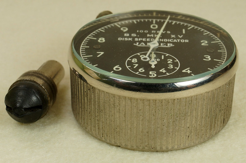 RD30065 Vintage WWII Era Jaeger Disk Speed Indicator BS. MK. XV US Air Force 4050-A DSC01687