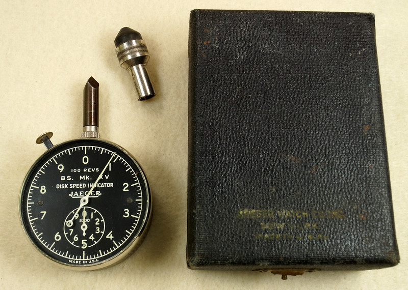 RD30065 Vintage WWII Era Jaeger Disk Speed Indicator BS. MK. XV US Air Force 4050-A DSC01673