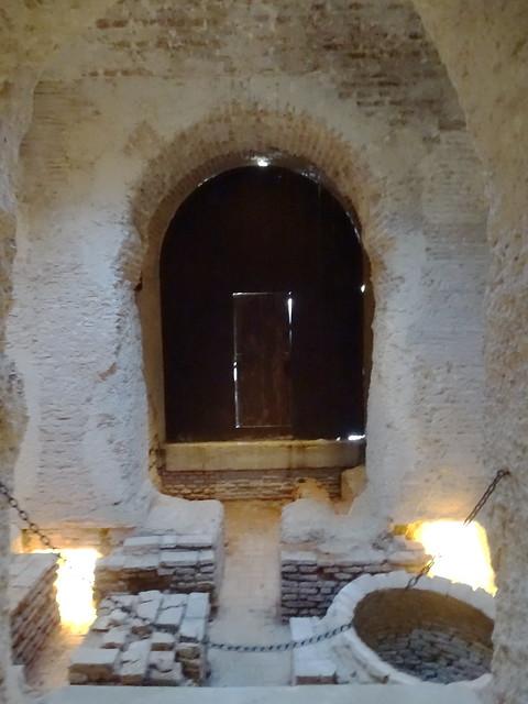sala Caliente y calderas Baños arabes La Mezquita El Alcazar de Jerez de la Frontera Cadiz 01