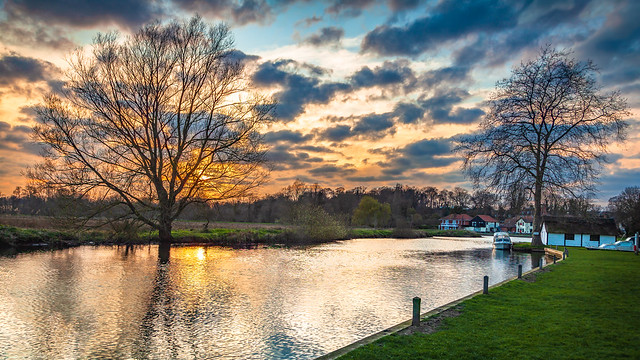 Sunset over the river at Coltishall